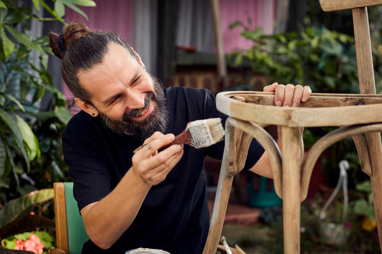 5 formas de dar uma nova vida à tua mobília usada