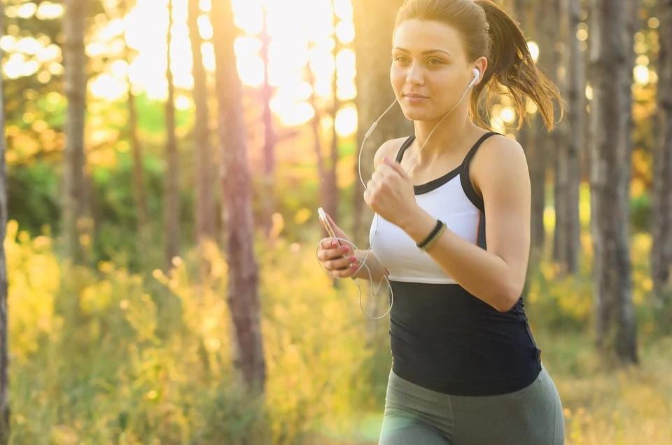 Como escolher uma pulseira fitness e dar um boost aos teus treinos