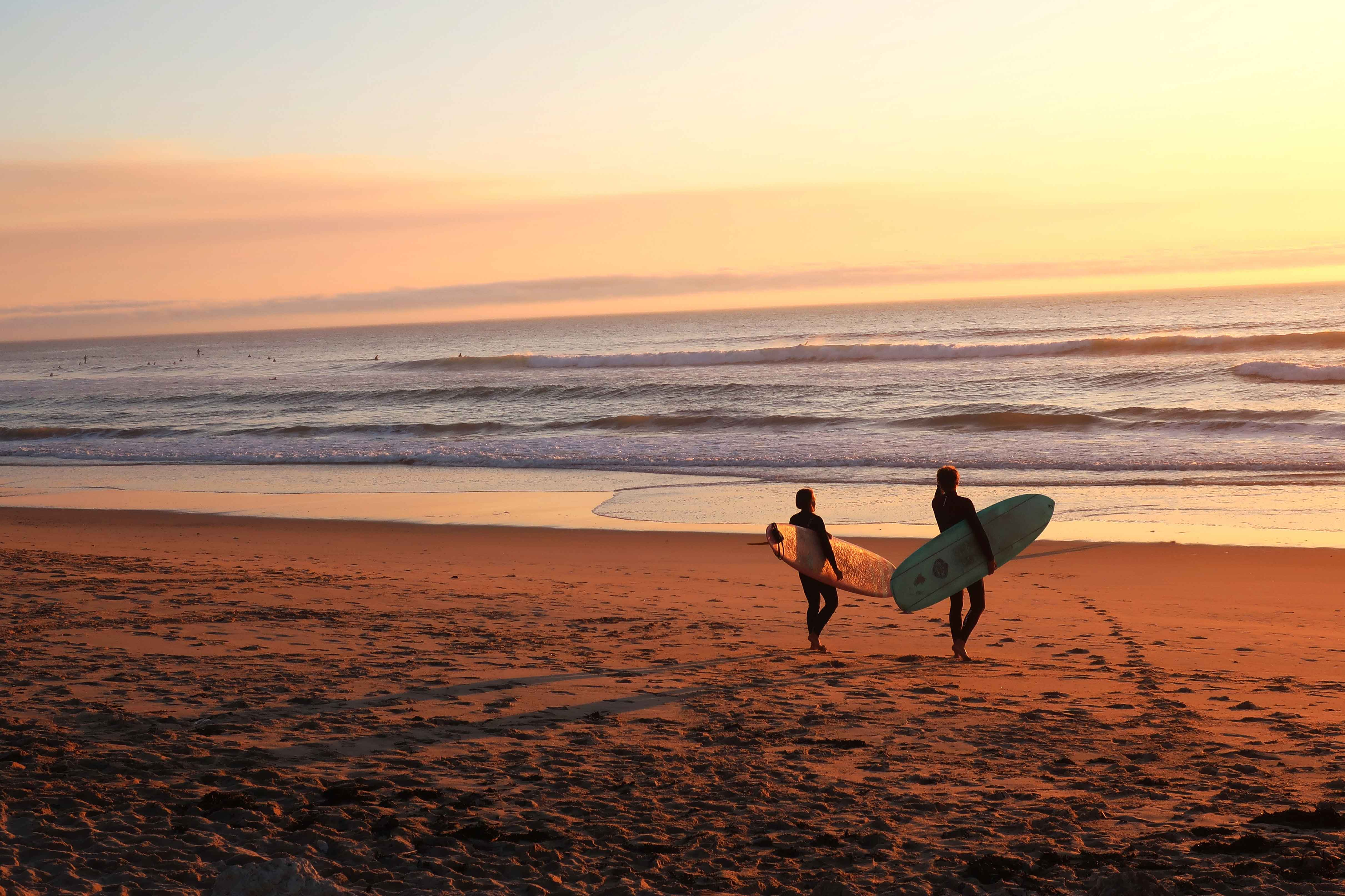 Os 5 melhores destinos para fazer surf em Portugal