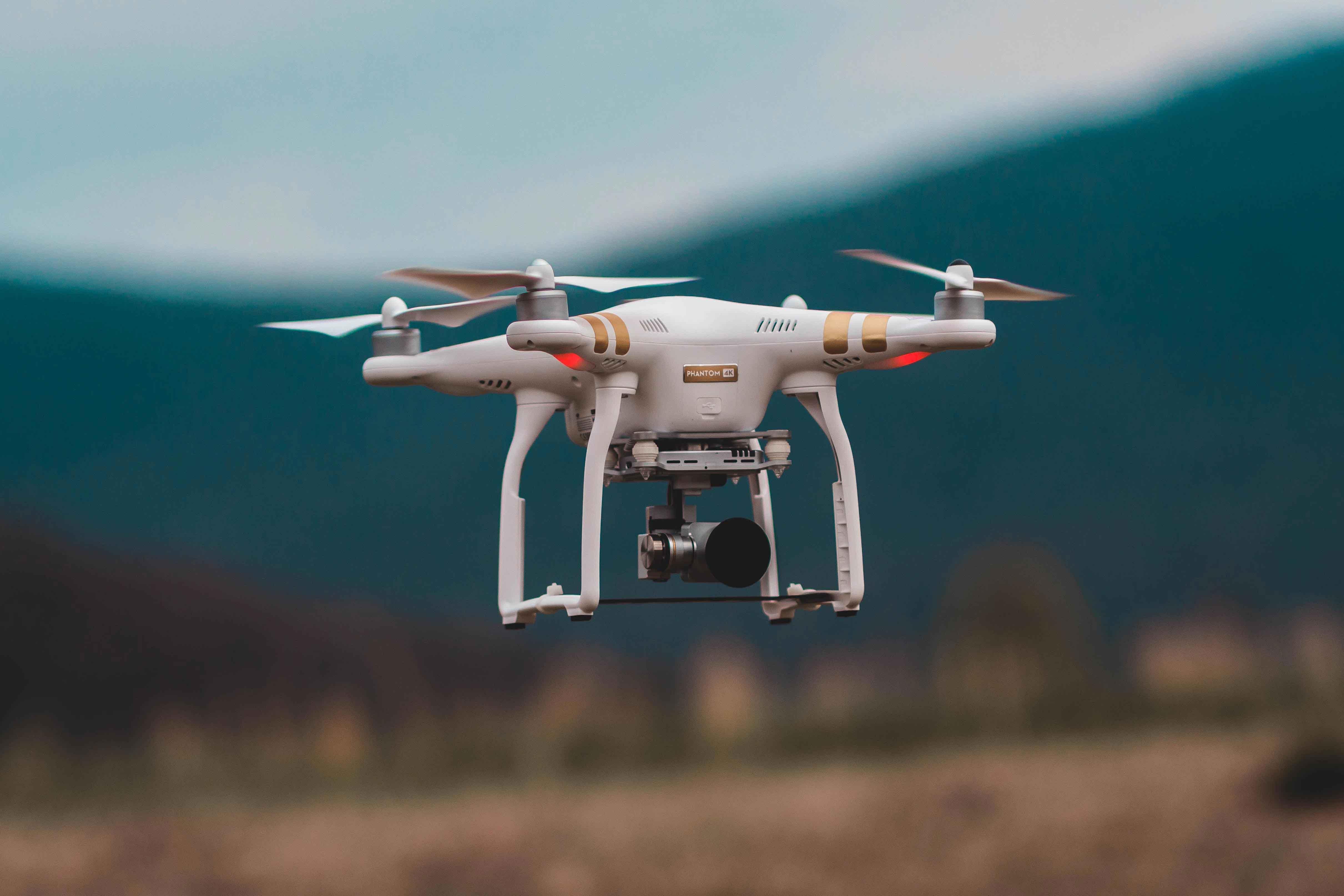 O que deves ter em conta antes de comprar um drone
