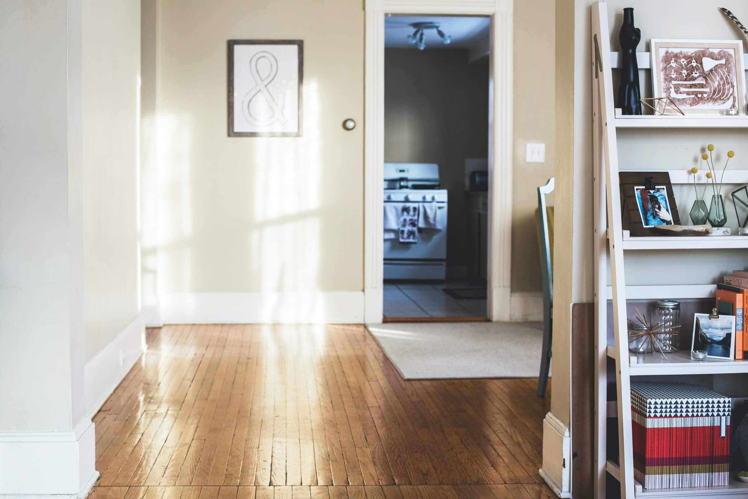 Guia prático para manter a casa fresca no verão sem gastar muito