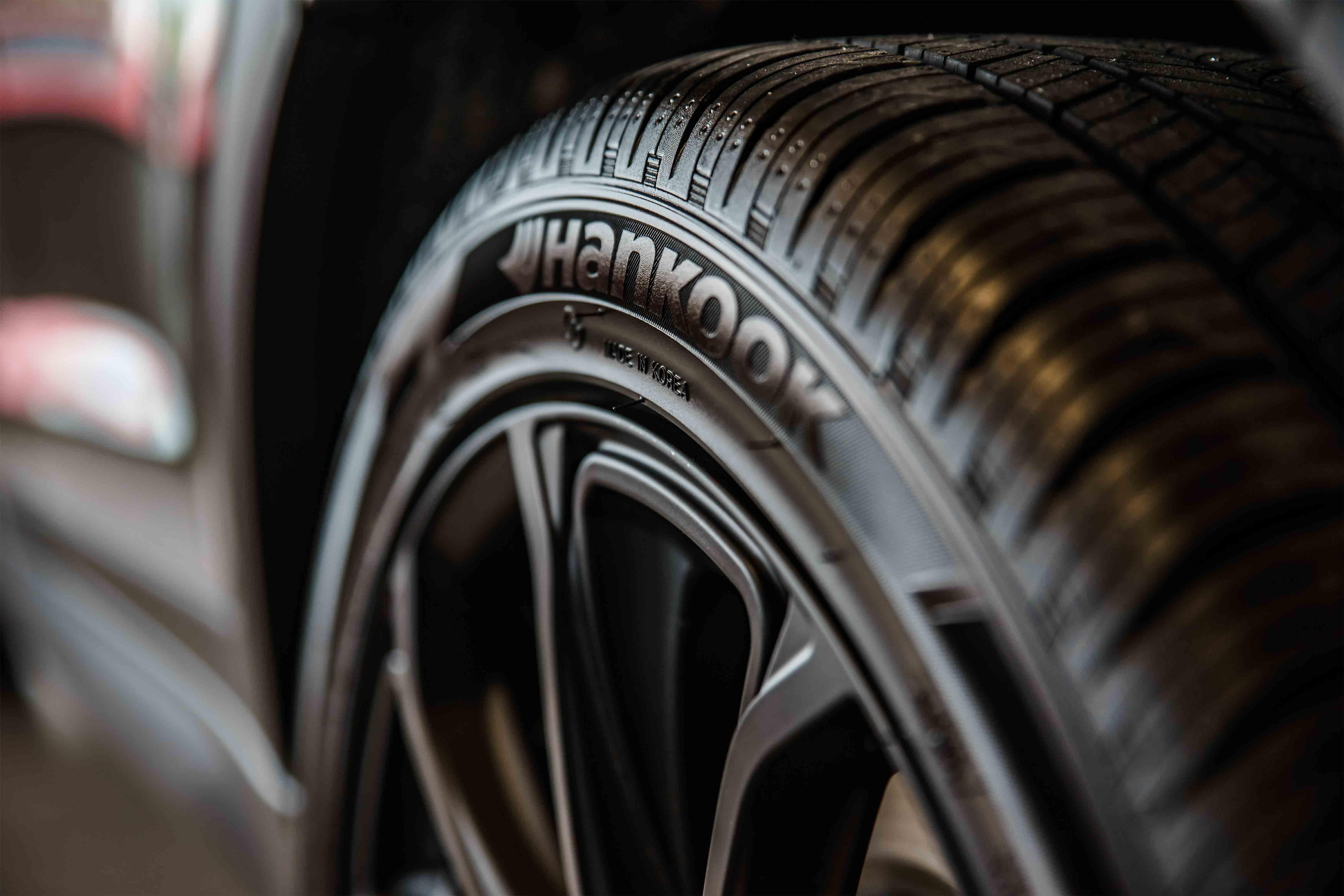 Tudo o que precisas de saber antes de comprar pneus para o teu carro