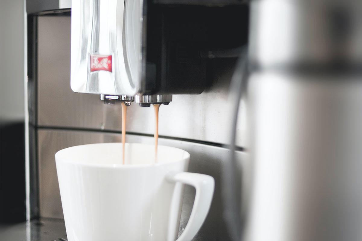 Estás à procura de uma máquina de café? Estas são as mais amigas do ambiente