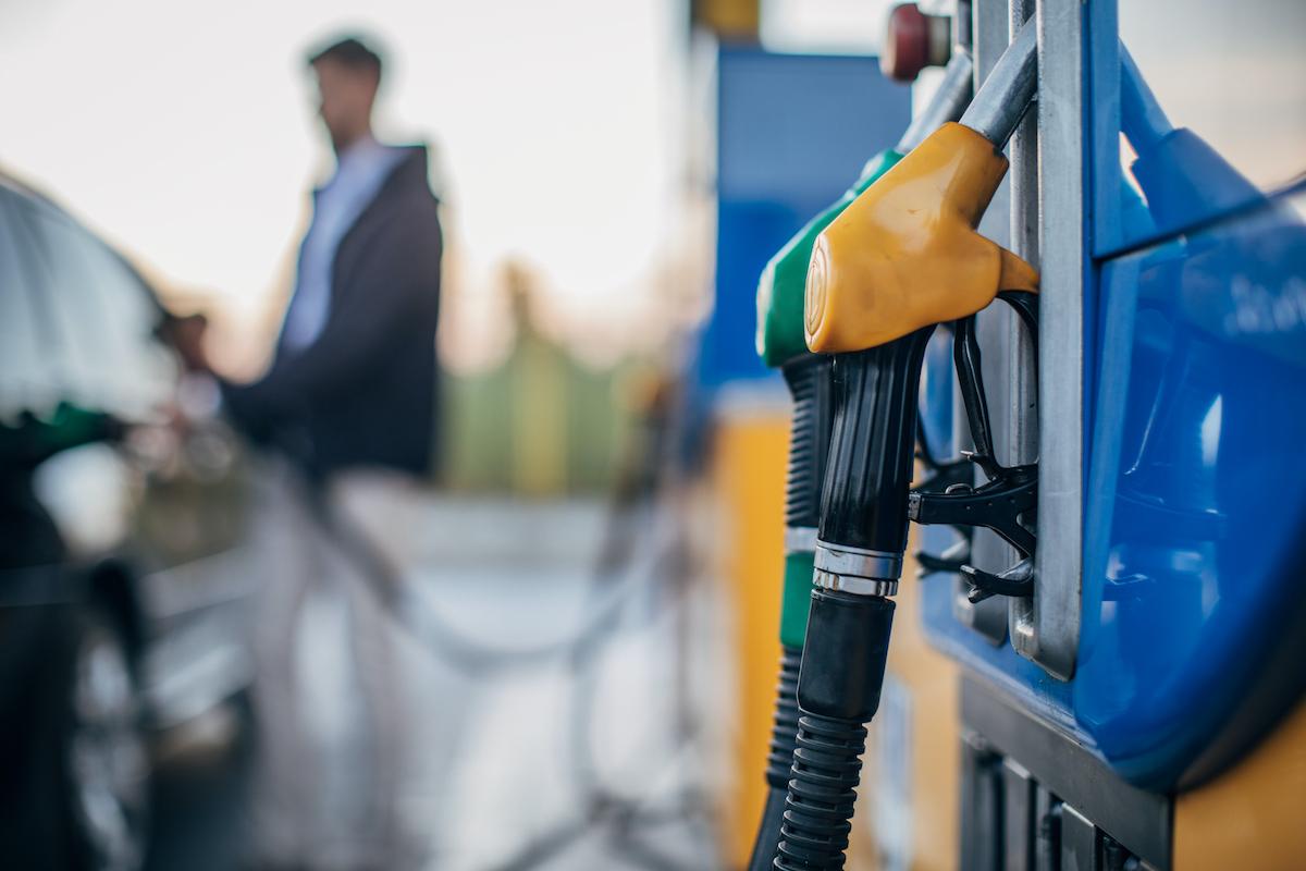 Indeciso entre comprar carro a gasóleo ou gasolina?