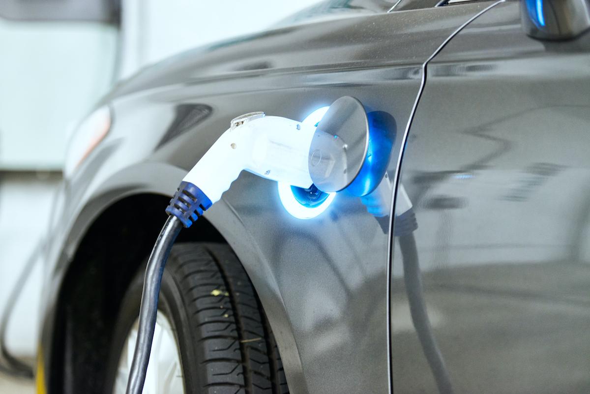 Guia para comprar um carro elétrico usado