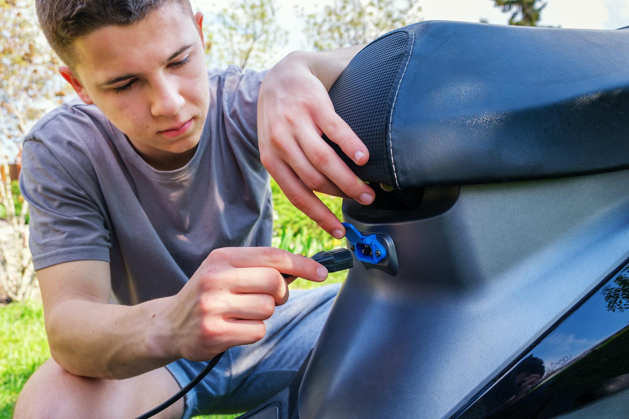 Guia para comprar uma moto elétrica usada